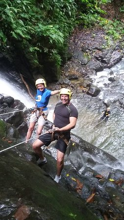 Costa Canyoning: taking it as a team to the bottom