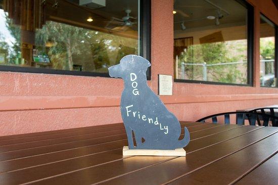 Cottonwood, AZ: Enjoy our patio with your best friends!