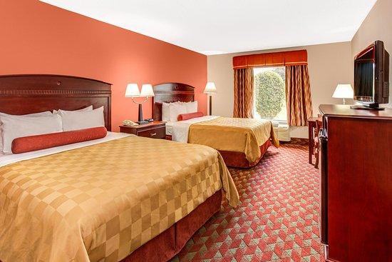 Ramada Murfreesboro: 2 Queen Beds, Non Smoking, 1st Floor
