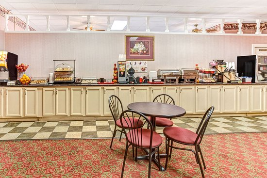 Ramada Murfreesboro: Breakfast Area