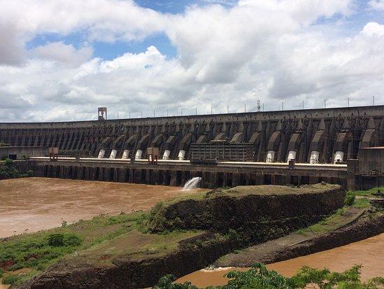 Itaipu-demningen: barragem