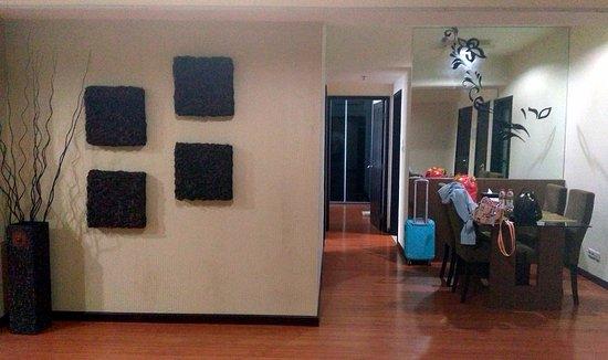 Ruang tamu yg nyaman Picture of Verwood Hotel & Serviced Residence