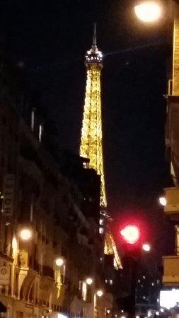 Eiffel Saint Charles: Photo prise devant porte 'hôtel