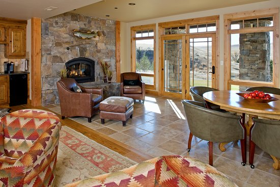 Grey Cliffs Ranch: Guest den