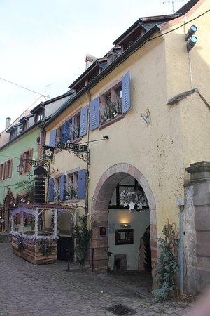 Hotel De La Couronne : esterno
