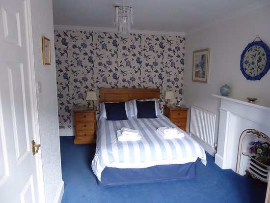 Glyntwrog House: Double en-suite room