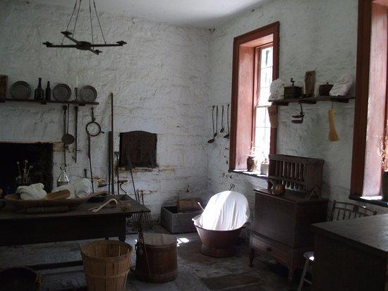 Pierre Menard Home: old objects