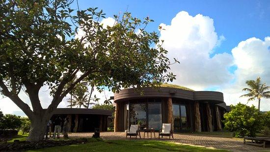 Hotel Hangaroa Eco Village Spa Viste Desde Piscina Hacia Area De Recepción