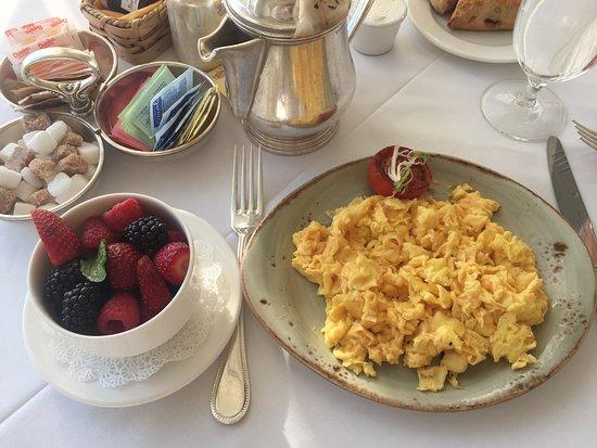 Keswick Hall: Breakfast is perfect!