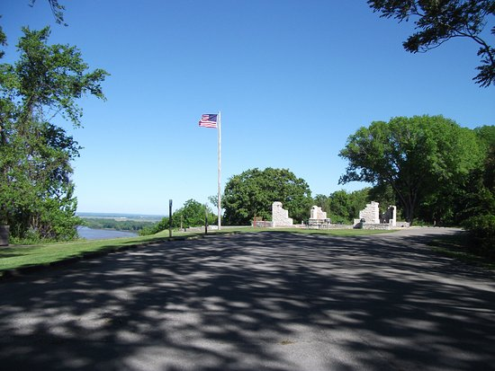 Ellis Grove, IL: olf fort and the Mississippi