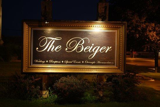Beiger Mansion Inn: Main sign