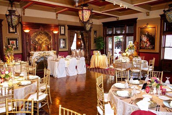 Beiger Mansion Inn: Music Room