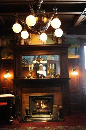 Beiger Mansion Inn: State Dining Room