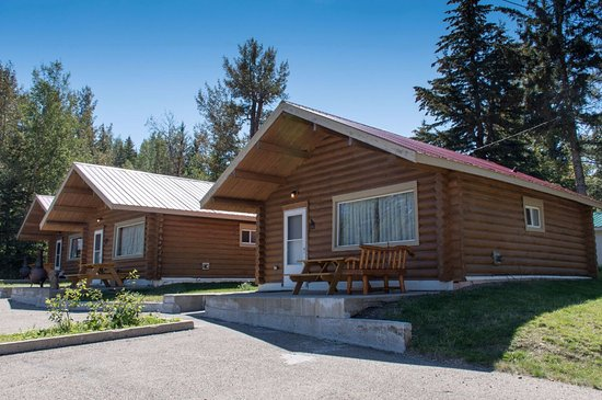 """Elkwater Lake Lodge and Resort: Rustic cabins to give you that """"glamping"""" experience."""