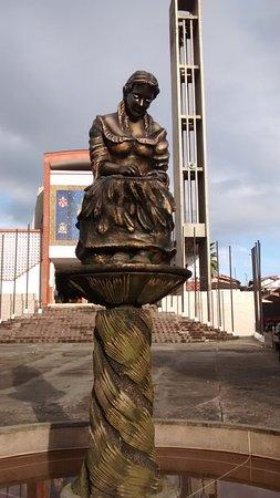 Monumento a la Tejedora