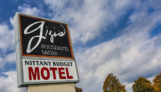 Nittany Budget Motel: Gigi's Southern Table Restaurant is conveniently located right next door to the Nittany Budget M