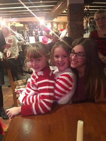 Bamber Bridge, UK: Fantastic ,meal with Santa . Well organised and fantastic price .