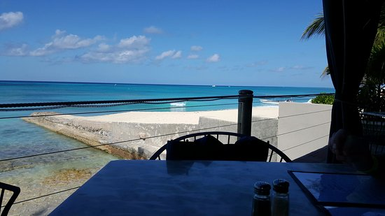 Bird Cage Restaurant : A breathtaking ocean view