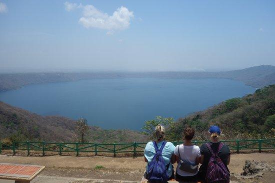 กรานาดา, นิการากัว: Catarina Viewpoint to Laguna de Apoyo, Granada and las isletas!