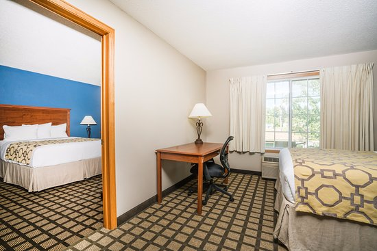 Albany, MN: Two room Queen suite 2