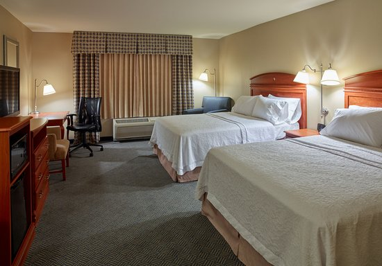 Hampton Inn & Suites North Conway: Double Queen Bed Guestroom
