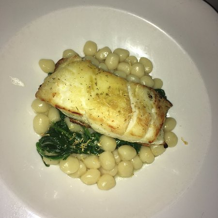 Towne Hall: Entree