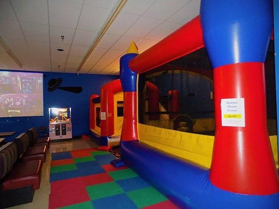 Hillsboro, OH: Bounce Houses for children 8 and younger