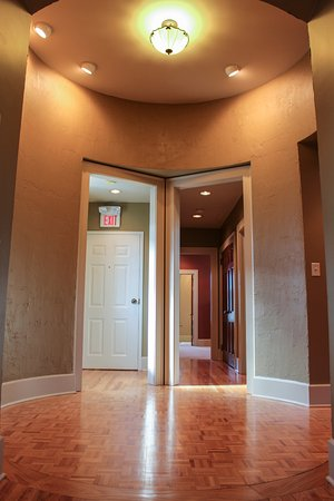 Greeneville, TN: Foyer in apartments