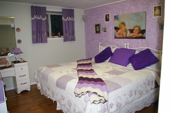 Embleton House Bed And Breakfast: The Angel Room # 2 Has A Choice Of Two