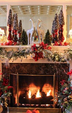 Greeneville, TN: Lobby fireplace