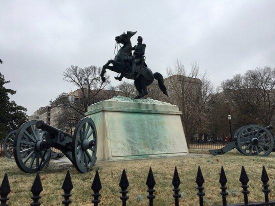 Lafayette Square : Andrew Jackson statue