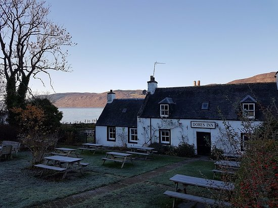 Dores Inn: Great location on the shore of Loch Ness