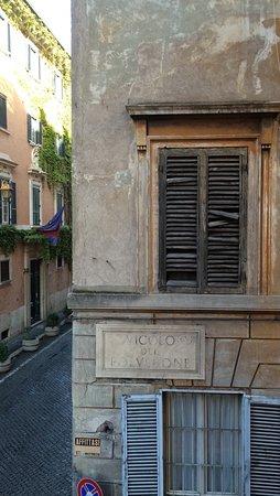 Maison Giulia: Aussicht auf Via Giulia (ruhige Straße)