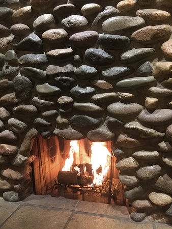 Litchfield Park, AZ: fireplace inside casita suite