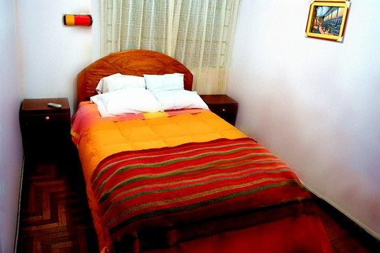 Incama Hostel Cusco: HABITACION MATRIMONIAL SEGUNDO PISO