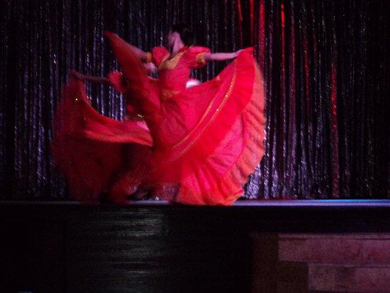 Paradisus Rio de Oro Resort & Spa: Nightly Entertainment