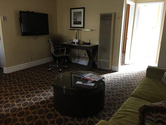 Marin Suites Hotel: photo0.jpg