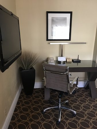 Marin Suites Hotel: photo2.jpg