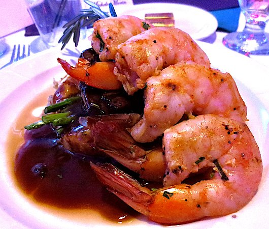Pittsfield, MA: Delicious meal choice of steak and shrimper fundraising event