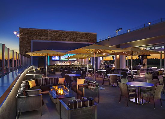 Rooftop terrace bar picture of topgolf jacksonville for Terrace restaurant charlotte