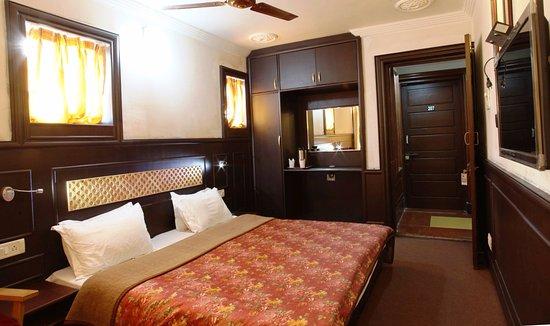 Hotel Sadaf Photo