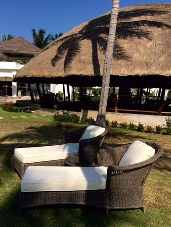 The Beach Village: Tropical garden souround the Coconut Restaurant