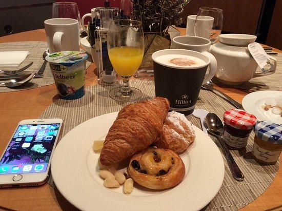 Hilton Vienna: Завтрак