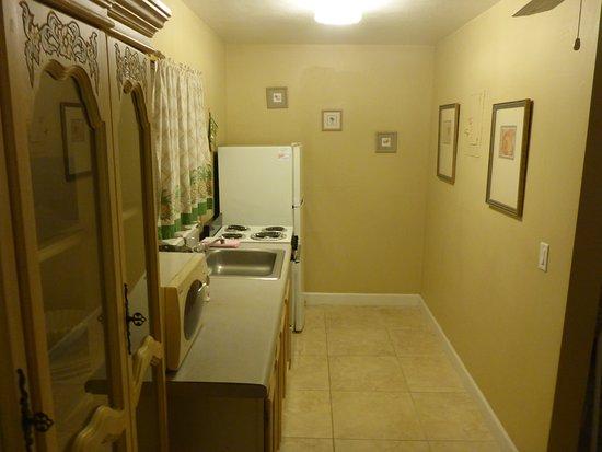 Indialantic, FL: Kitchen Area