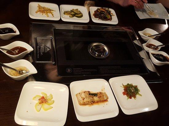 sun hi korean bbq food grill mit beilagen
