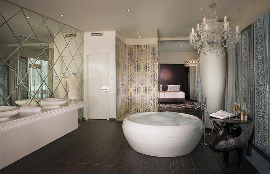 Kameha Grand: King Suite
