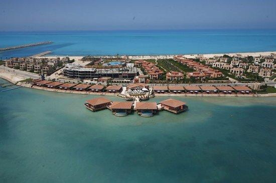 Ocean Blue Marina Hotel & Resort: Beach Hotel