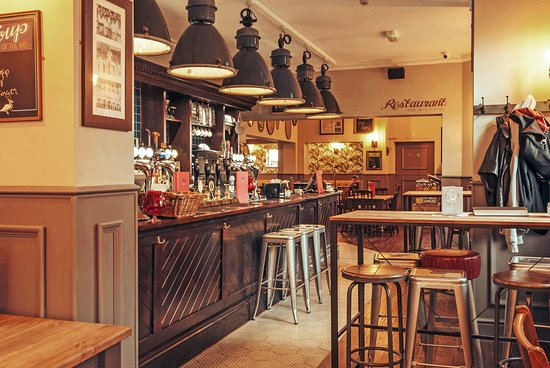 The Duck & Willow: The bar