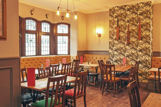 The Duck & Willow: .A nod to Downend's love of cricket