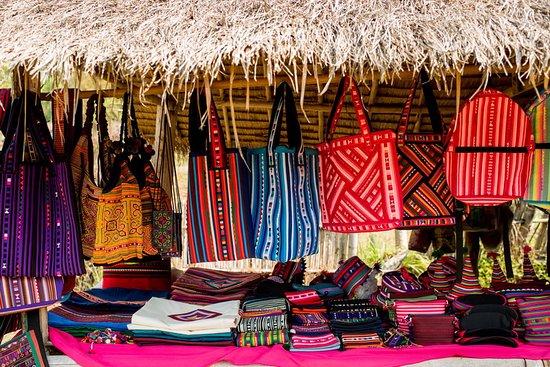 Handicraft shop by villagers at Lisu Lodge